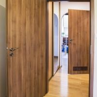 Drzwi Porta Focus, kolor akacja miodowa. Lokalizacja os. Złotego Wieku