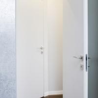 Drzwi z ościeżnicą krytą HARMONY.