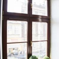 Okno drewniane system 68 sosna. Lokalizacja ul. Limanowskiego