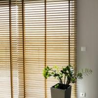 Żaluzja drewniana 50mm Bamboo Natural. Lokalizacja na Popielówek